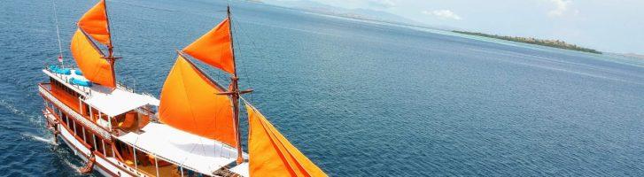Komodo Sailing Tour 2 Days 1 Night