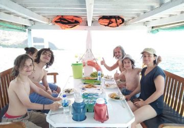 sailing trip to komodo